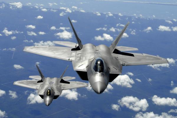 Two_F-22_Raptor.jpg