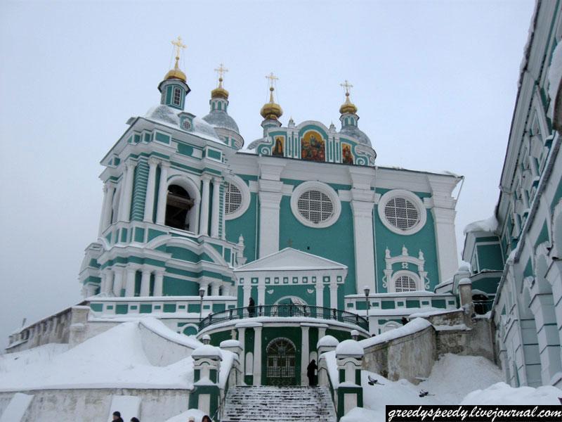 Успенский собор на Соборной горе в Смоленске.
