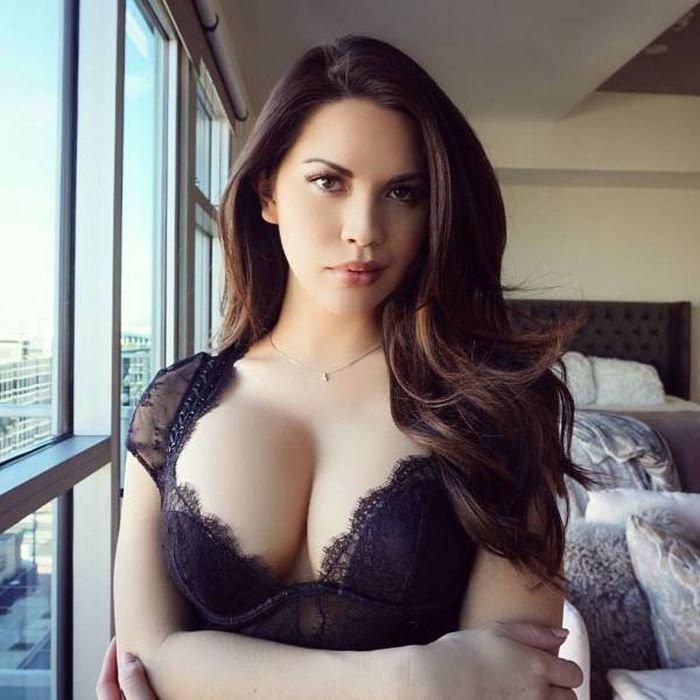 grudastye_devchonki_46_foto_13.jpg