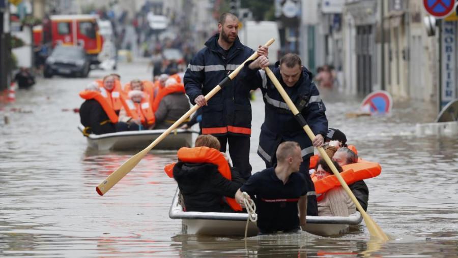 نتيجة بحث الصور عن باريس تغرق