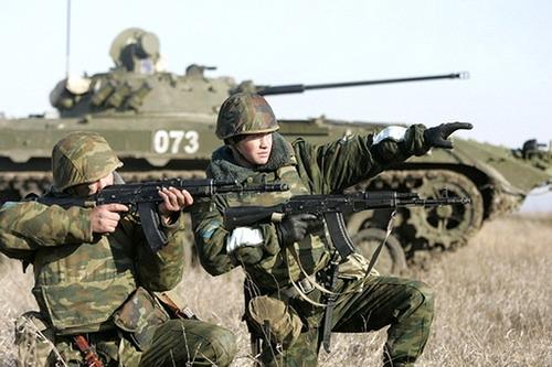 солдаты-контрактники