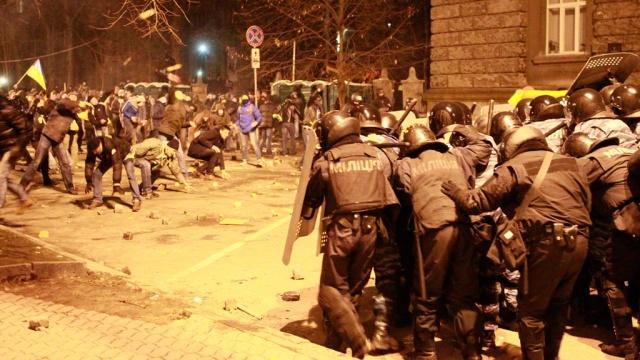 полиция-митингующие