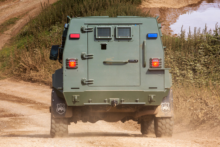 Warrior - Armored Personnel Carrier 4