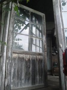 дверь на второй этаж