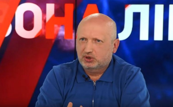 Турчинов объяснил, почему не двинул танки на Крым в 2014 году