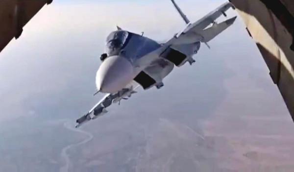 Американский F-15 попытался повторить всемирно известный трюк российского Су-30
