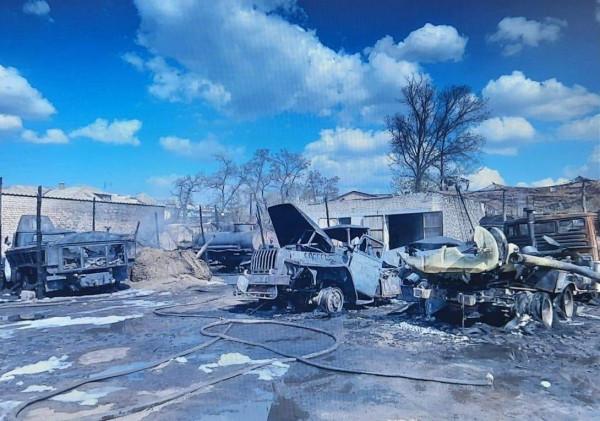 На Донбассе сгорели бензовозы ВСУ