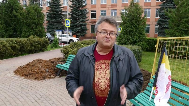 «ВОТ С ТАКИМ ХЕРОМ на меня набросились — утверждает Игорь Никулин — о недавнем происшествии в его дворе...»