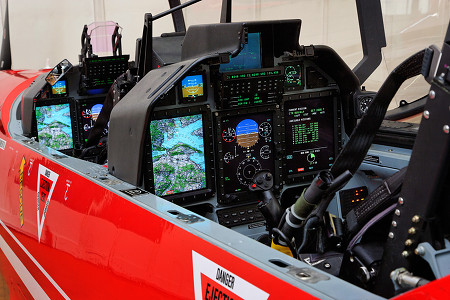 1253014a4d1e910cb1c737afdcfa09e2_pc_21_cockpit_01-33268352