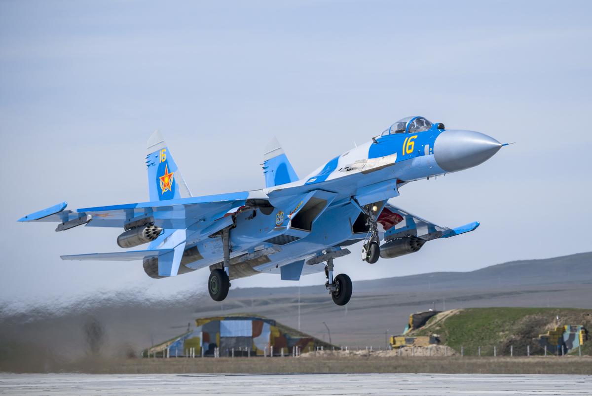 Фото военных самолетов су и миг