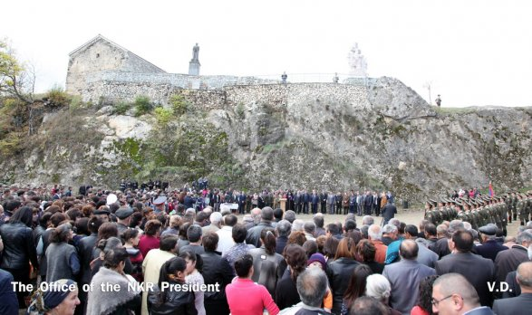 митинг в Нагорном Карабахе поддержку народа Крыма