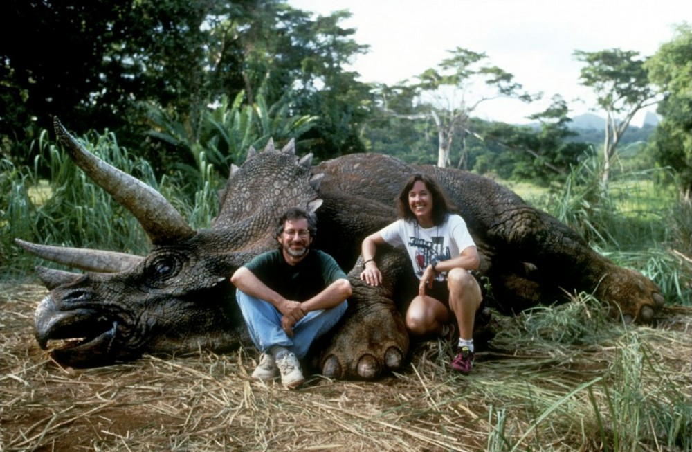 Steven-Spielberg-and-Kathleen-Kennedy-on-the-set-of-Jurassic-Park1