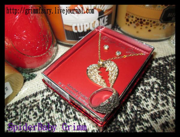 Angel Wing Heart necklace & earrings.