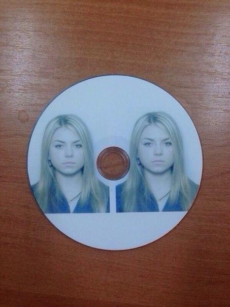 При поступлении в университет ее просто попросили принести 2 фото на диске