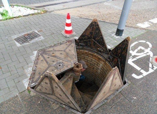Канализационный люк в Висбадене. Германия.