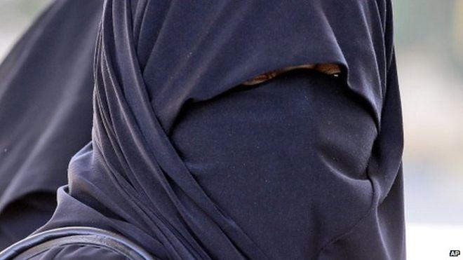 _80257527_burka