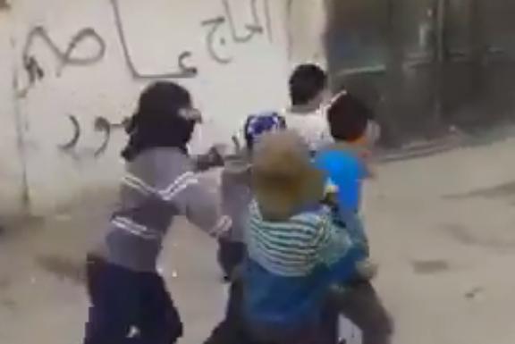 2015-11-17 12-18-28 Палестинские дети играют в теракты - YouTube - Google Chrome