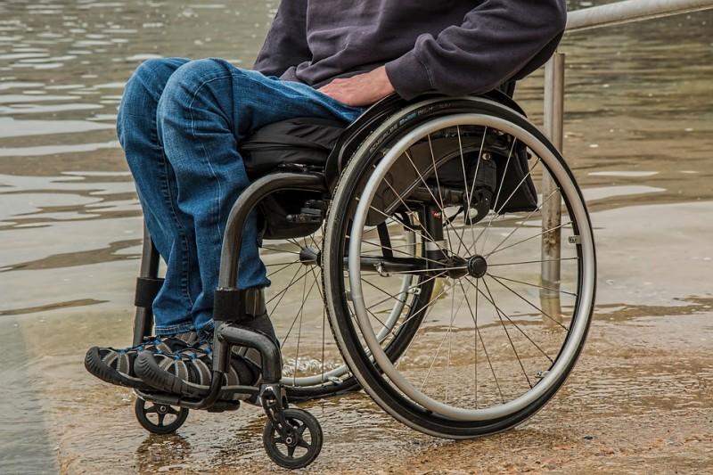 wheelchair-1595794_960_720_pixabay