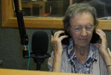 91-летняя старушка стала радиоведущей