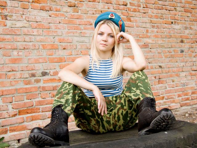 blondinochka-foto-seksualnih-izrailtyanok-soski-foto