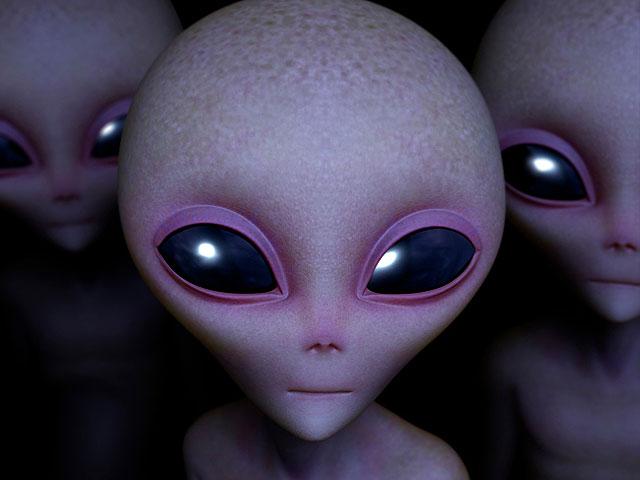 Британский чиновник рассказал о связи с инопланетянкой по имени Королева Кошка