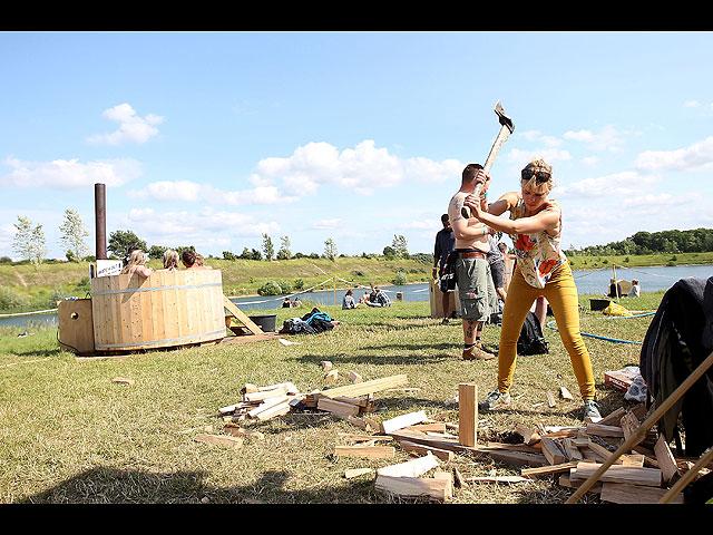 Фестиваль в Роскилле: голые забеги за лишним билетиком. 18+ 602057_20130707121923