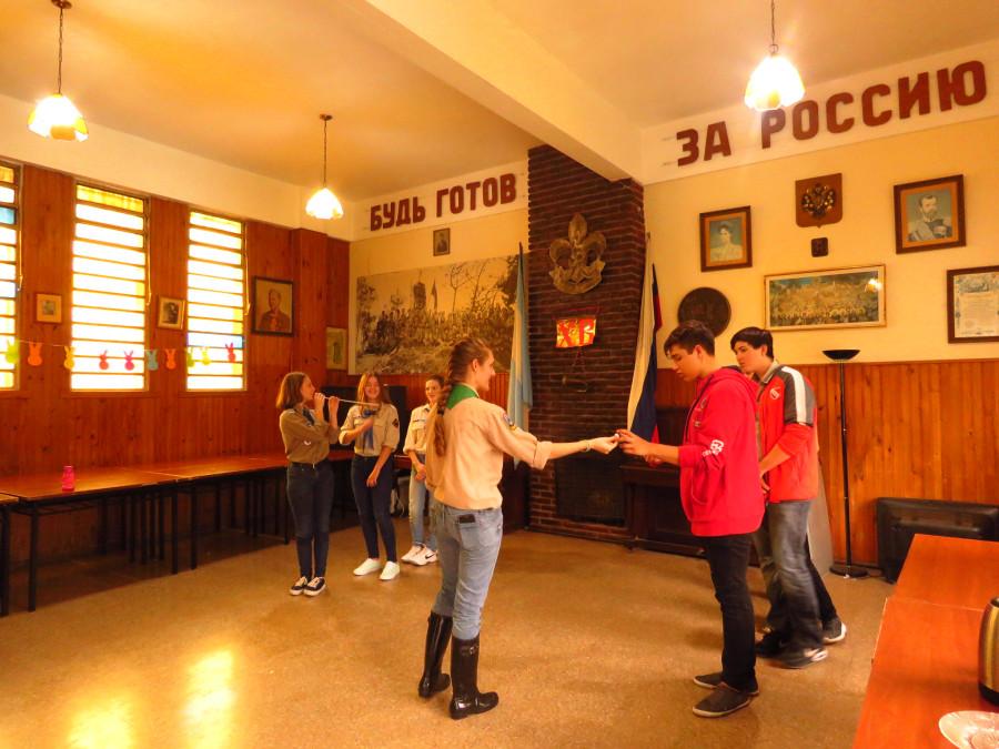 Белогвардейцы и русские эмигранты в Аргентине. Школа разведчиков ОРЮР и церковь в Сан-Тельмо