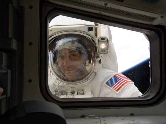 spacetoilet.jpg