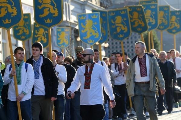vyshyvanky_galychyna_parad_marsh_nacionalisty6696.jpg