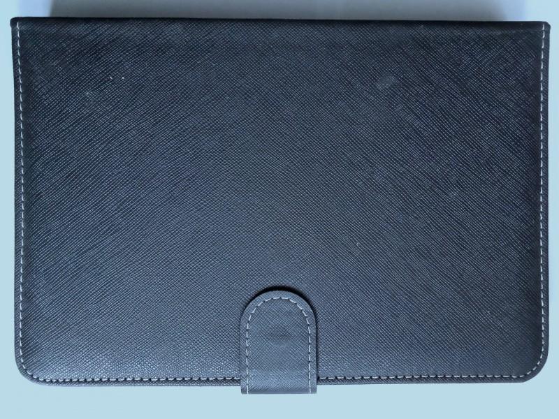 закрытый чехол с клавиатурой