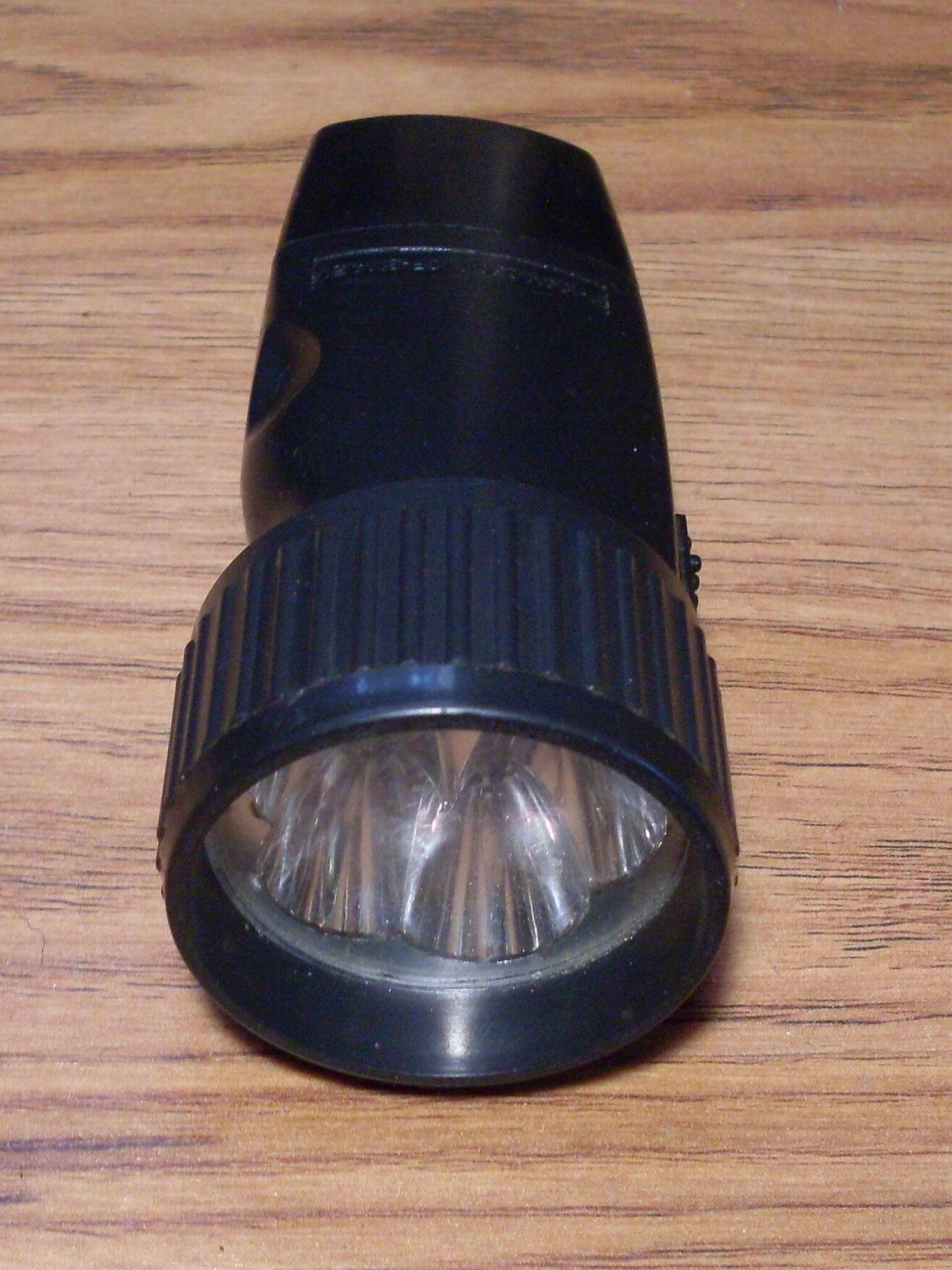Дешевый фонарик