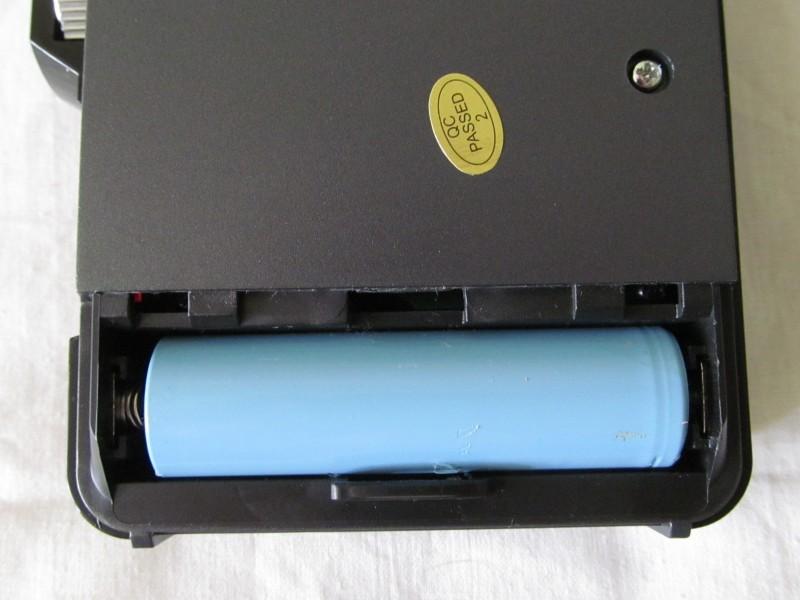 вставленный аккумулятор 18650