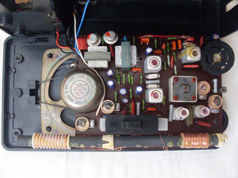 внутри после замены конденсаторов