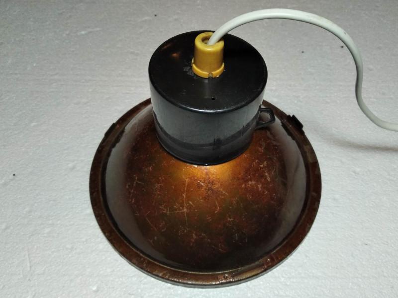 собранный светильник без подвесного крепления