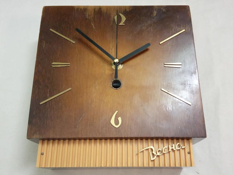 часы со вставленным китайским мехнизмом
