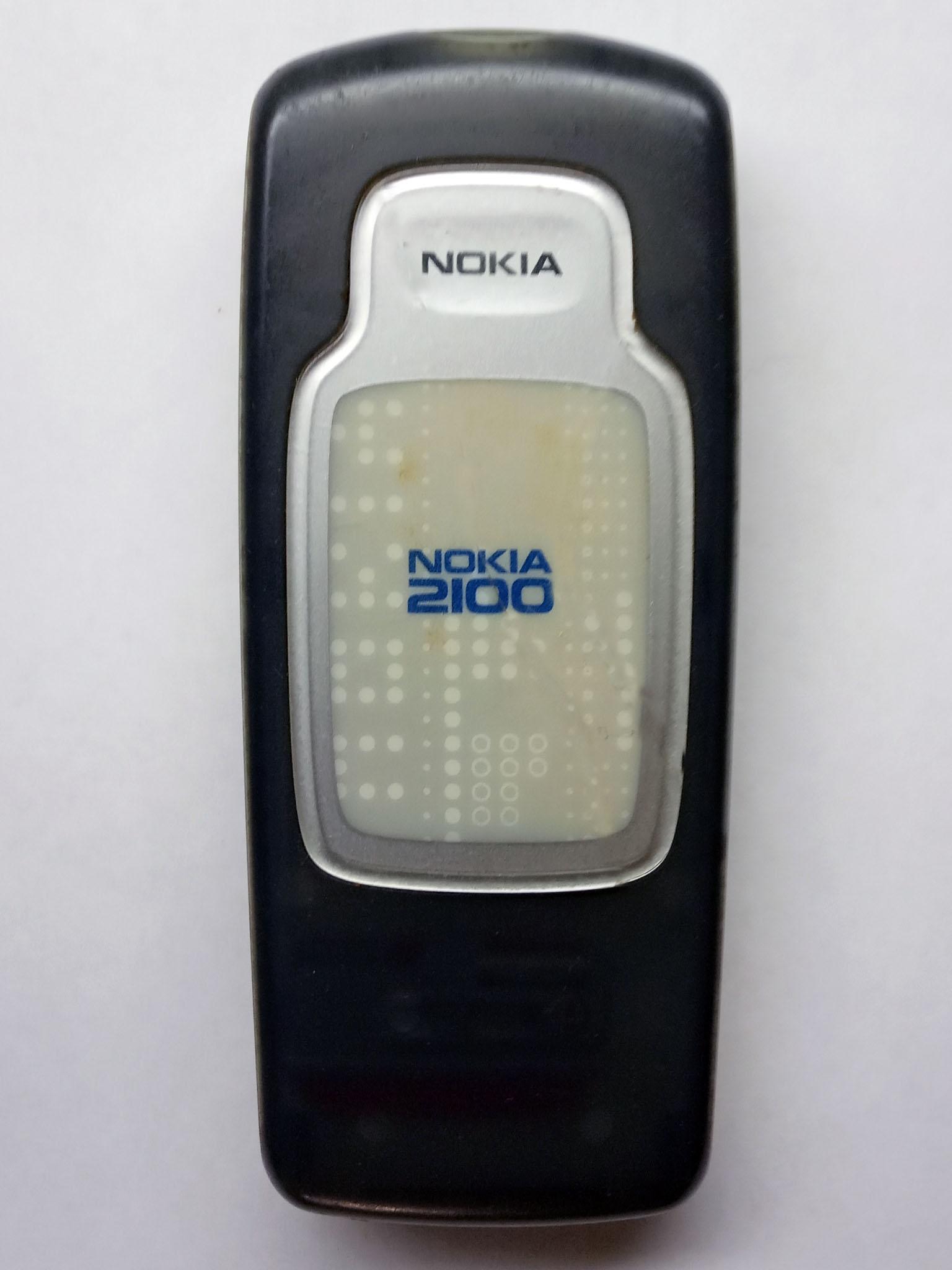 Nokia 2100 сзади