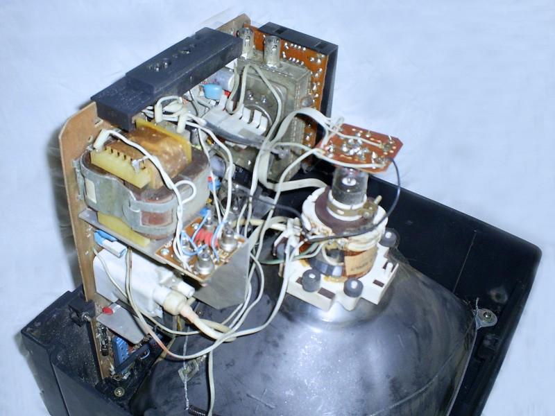шасси со стороны силового трансформатора