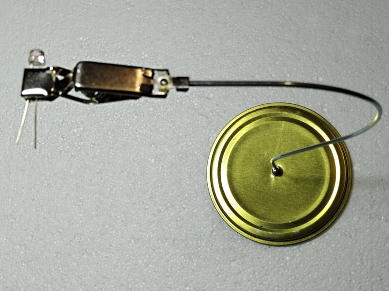 готовый держатель с вставленным светодиодом