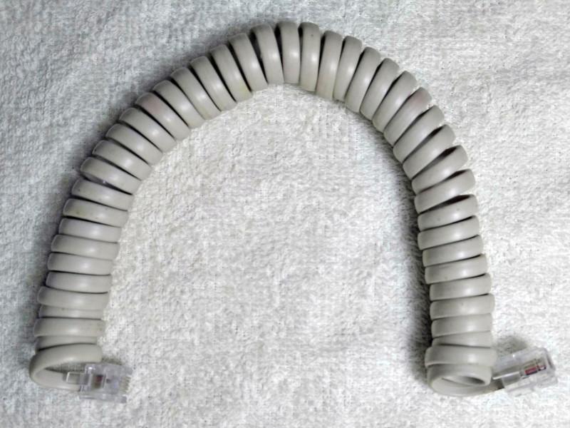 получился  витой шнур для телефонной линии