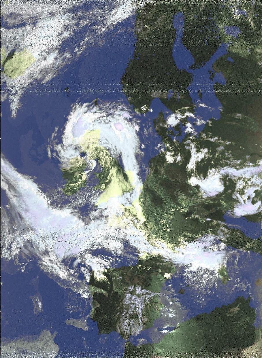 раскрашенный снимок с NOAA-18