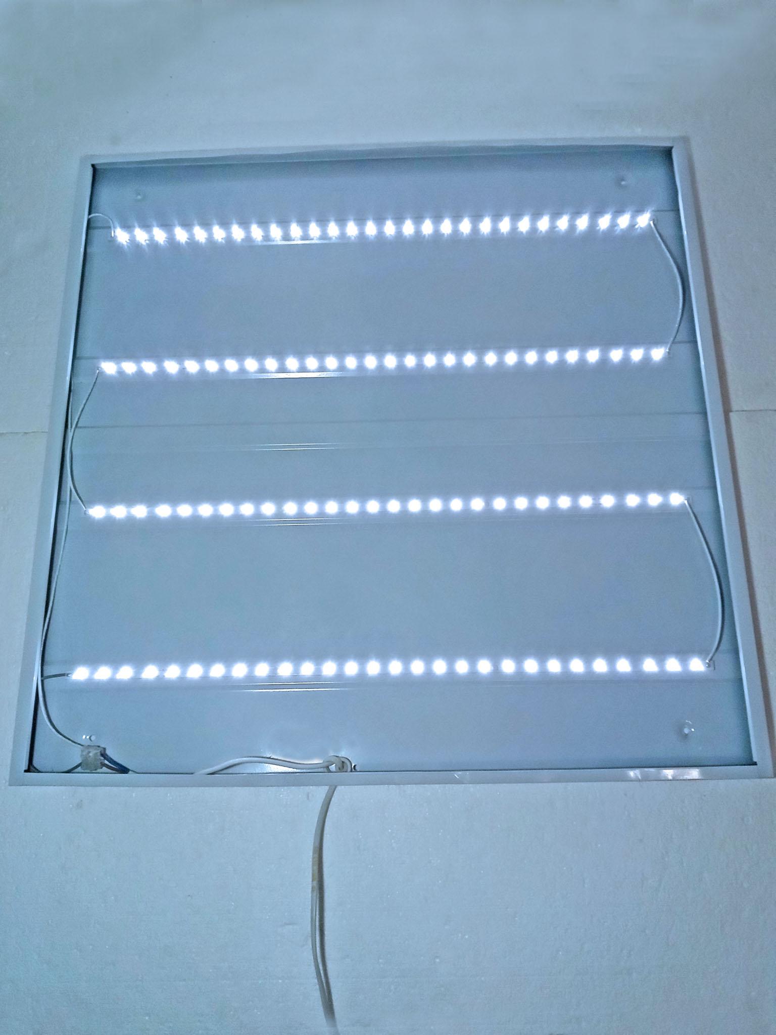 открытый светильник в работе