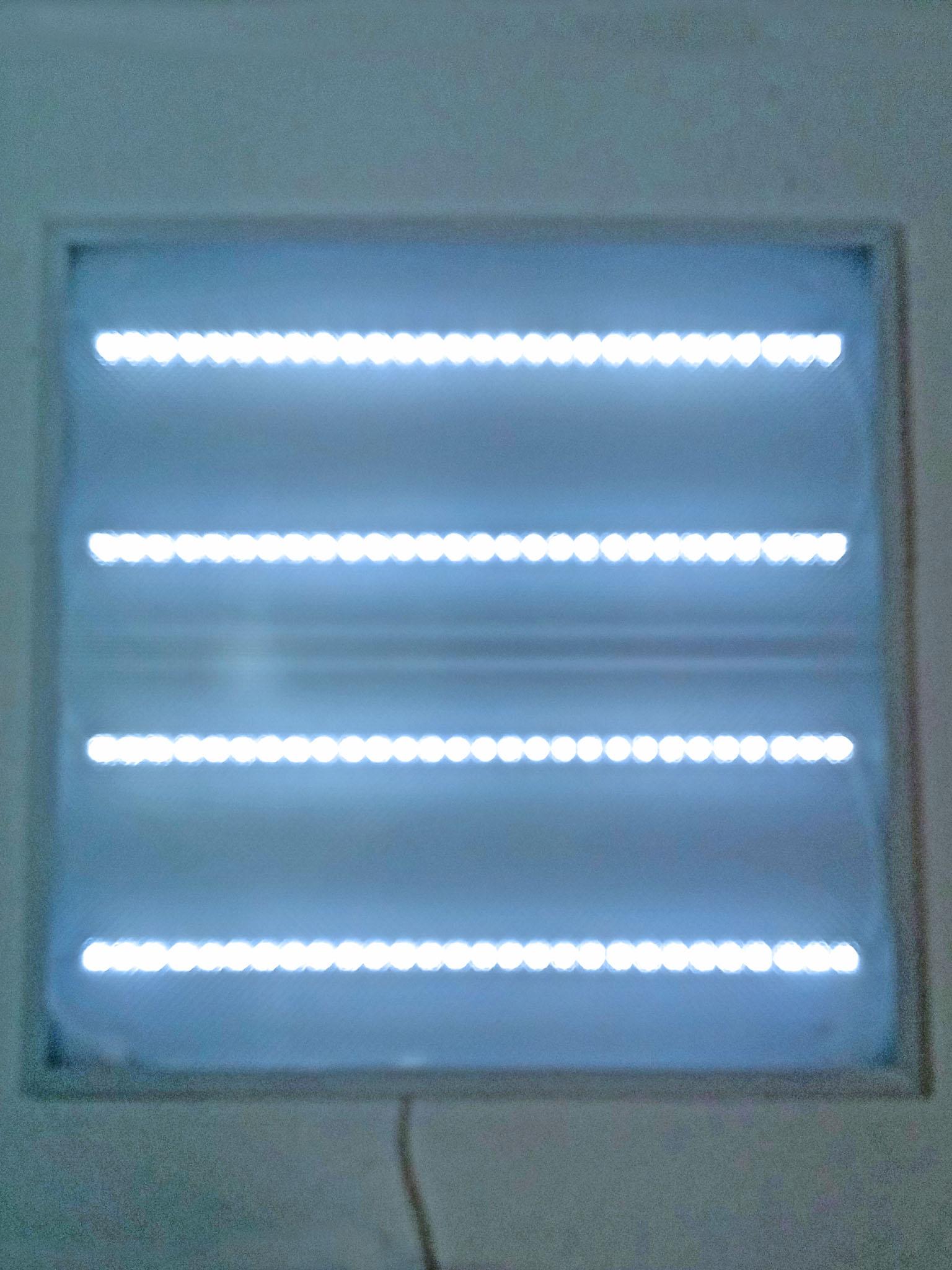 собранный светильник в работе