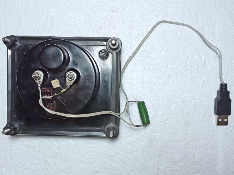 собранный прибор для проверки зарядных устройств