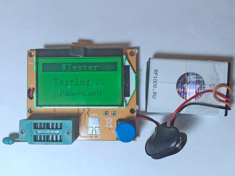 МТестер работает от двух батарей