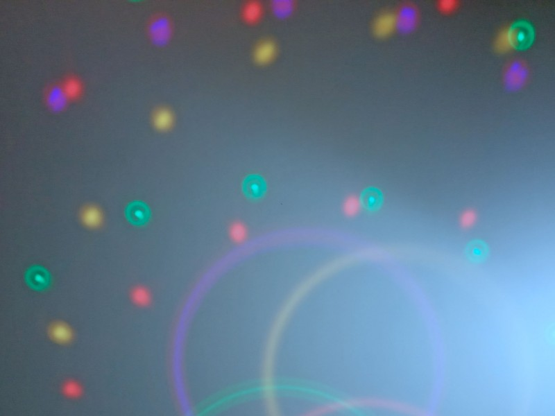 световые эффекты на потолке