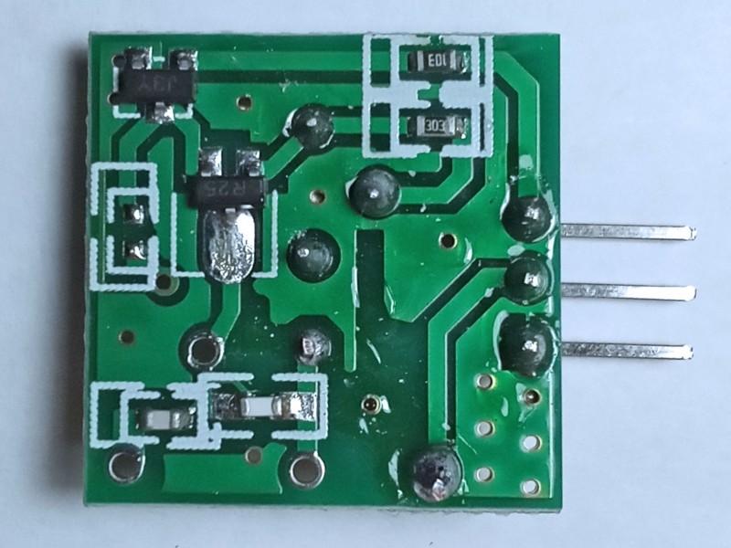 со стороны транзисторов