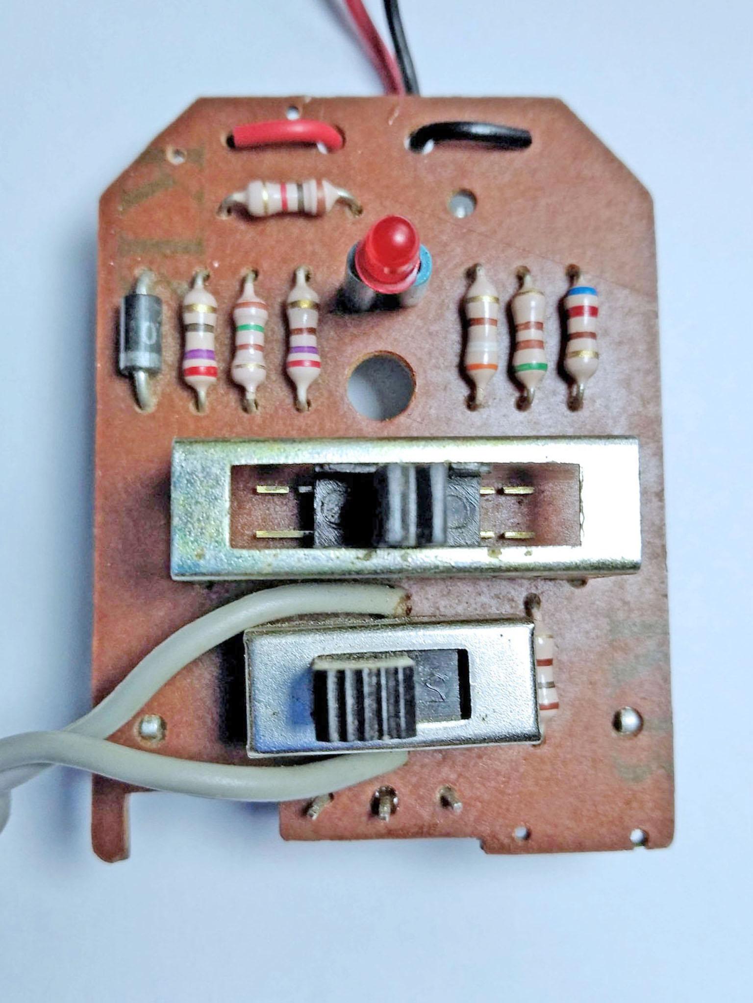 переключатели и резисторы
