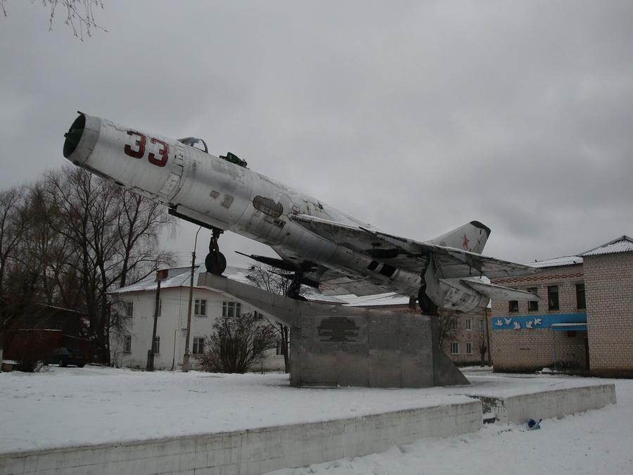Самолет Су-9 (пос  Красная Горбатка, Владимрская обл) (6)_resize