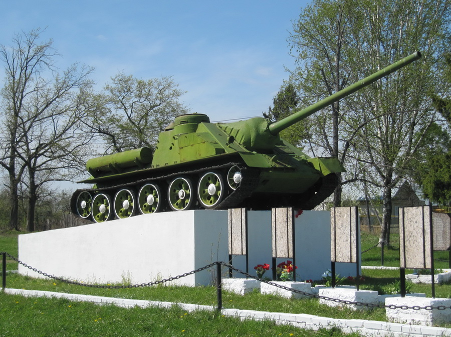 САУ СУ-100 (д Волковойно, Владимрск обл) (5)_resize