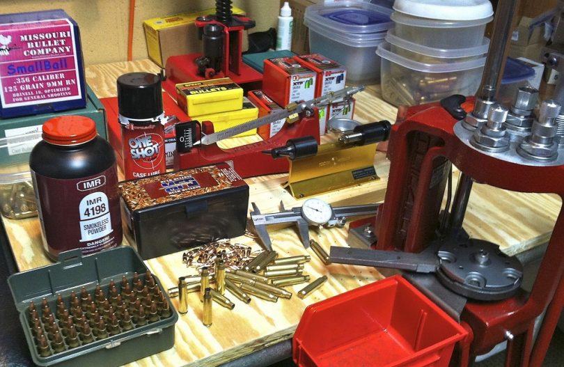 Ammunition-reloading-810x527